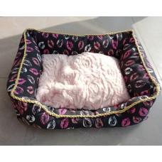 Šuns gultas, dydis M, 62 x 48 x 18 cm UA-D021