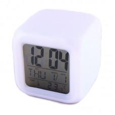 Spalvas keičiantis elektroninis laikrodis L45